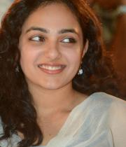 nithya-menon-hot-photo-stills-02