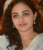 nithya-menon-hot-photo-stills-04