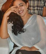 nithya-menon-hot-photo-stills-10