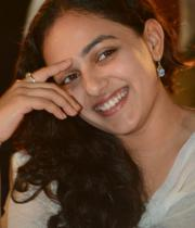 nithya-menon-hot-photo-stills-14