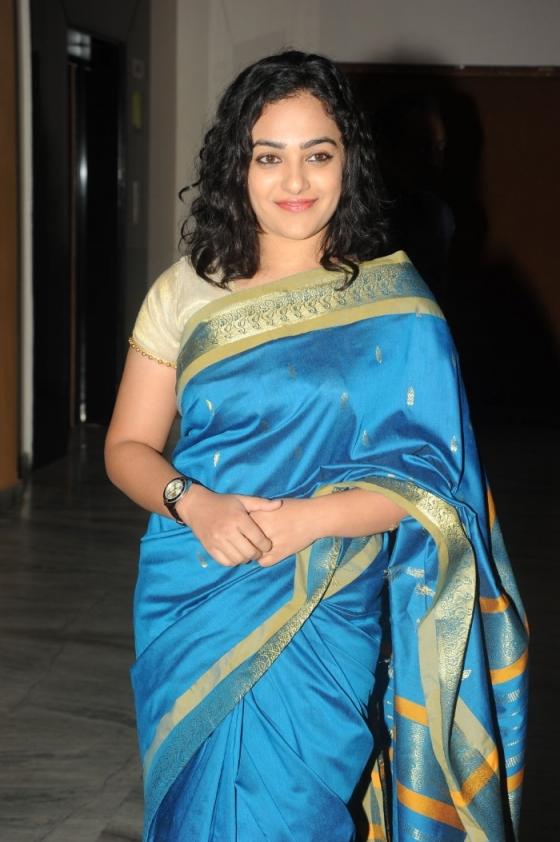 nithya-menon-saree-photos-at-malini-audio-launch-1