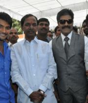 ntr-at-aadi-movie-launch-photos-2