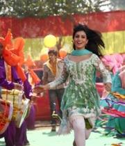 pallavi-sharda-hot-stills-in-besharam-1