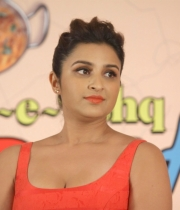 parineeti-chopra-latest-photos-02