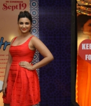 parineeti-chopra-latest-photos-03