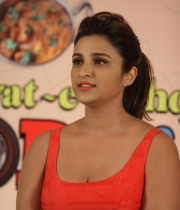 parineeti-chopra-latest-photos-04