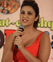 parineeti-chopra-latest-photos-06