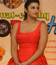 parineeti-chopra-latest-photos-08