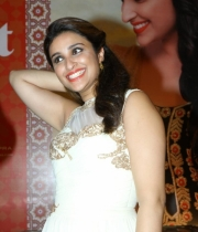 parineeti-chopra-latest-photos-18