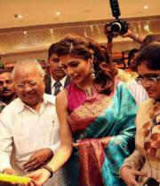 parvathy-omanakuttan-launches-womans-world-photos12