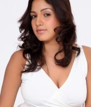 pavani-reddy-hot-photos-in-white-dress-1