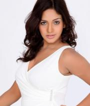 pavani-reddy-hot-photos-in-white-dress-10