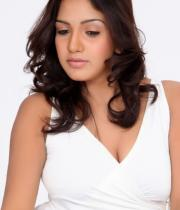 pavani-reddy-hot-photos-in-white-dress-13