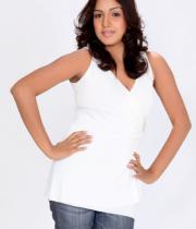 pavani-reddy-hot-photos-in-white-dress-20