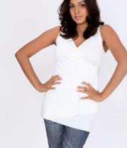 pavani-reddy-hot-photos-in-white-dress-3