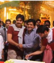pawan-kalyan-celebrating-alis-doctorate-12