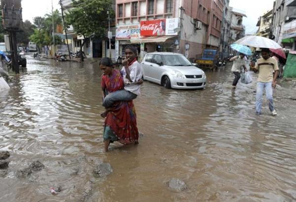 INDIA-WEATHER-RAIN