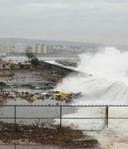 img_500x280_1210-indi-cyclone-typhoon-phailin
