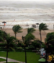 m_id_428998_cyclone_phailin_photo