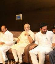 narendra_modi_with_tollywood_celebs-1