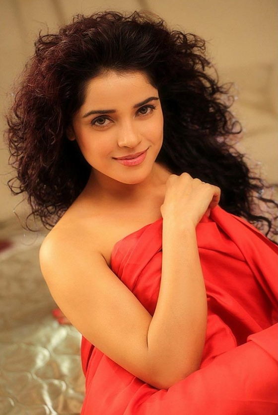 pia-bajpai-hot-photoshoot-gallery-2