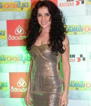 actress-piaa-bajpai-latest-cute-gallery-03