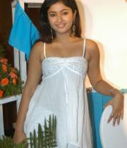 poonam-bajwa-hot-photo-shoot-stills-02