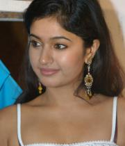 poonam-bajwa-hot-photo-shoot-stills-09