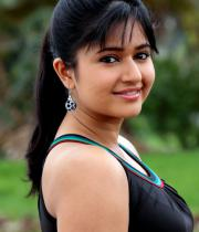 poonam-bajwa-in-manthrikan-movie-stills-11