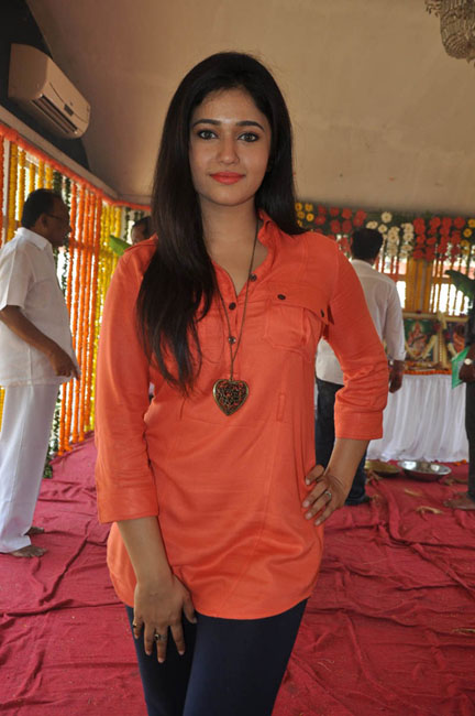 poonam-bajwa-latest-photos-14