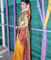poonam-kaur-latest-cute-stills-photos-30