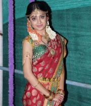poonam-kaur-latest-cute-stills-photos-9