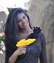 poonam-pandey-promotes-waterless-holi-01