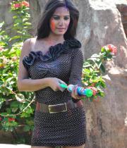 poonam-pandey-promotes-waterless-holi-08