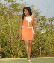 425_8_poorna-photos-from-nuvvala-nenila-movie-8