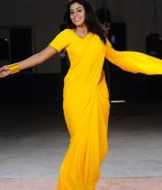 poorna-in-yellow-saree-photos-14