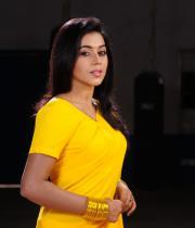 poorna-in-yellow-saree-photos-17
