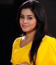 poorna-in-yellow-saree-photos-24