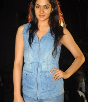 sakshi-new-stills-5
