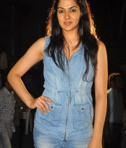 sakshi-new-stills-6