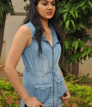sakshi-new-stills-9