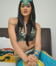 potugadu-movie-heroine-sakshi-chowdary-photos-09