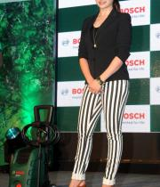prachi-desai-at-car-washing-product-launch-4
