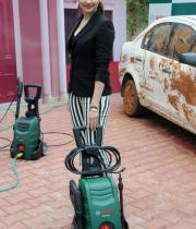 prachi-desai-at-car-washing-product-launch-5