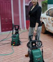 prachi-desai-at-car-washing-product-launch-6