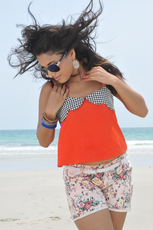 pramela-hot-beach-photos-17
