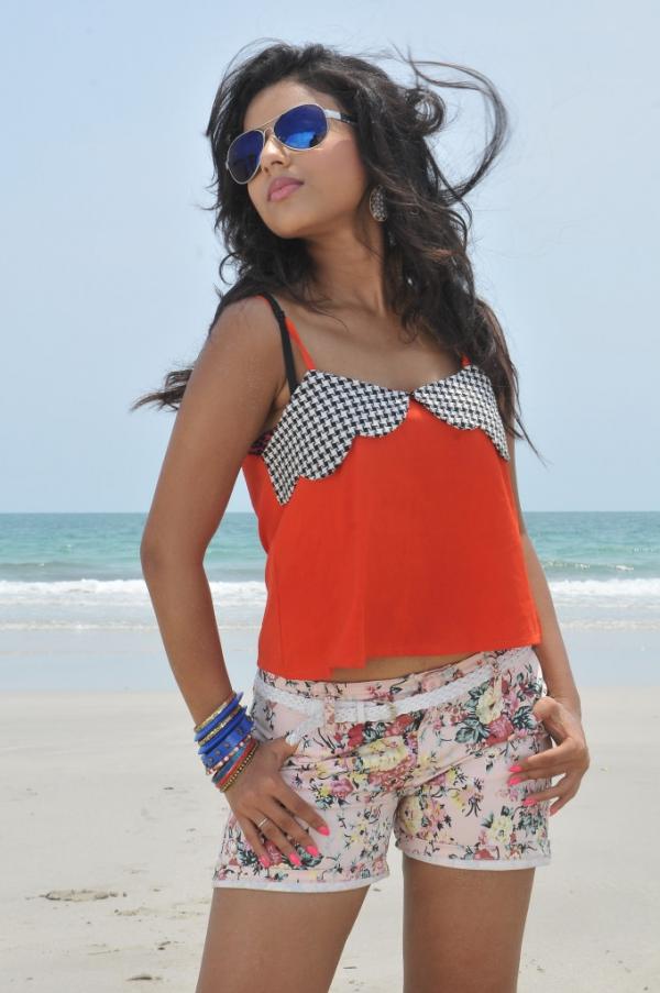 pramela-hot-beach-photos-3