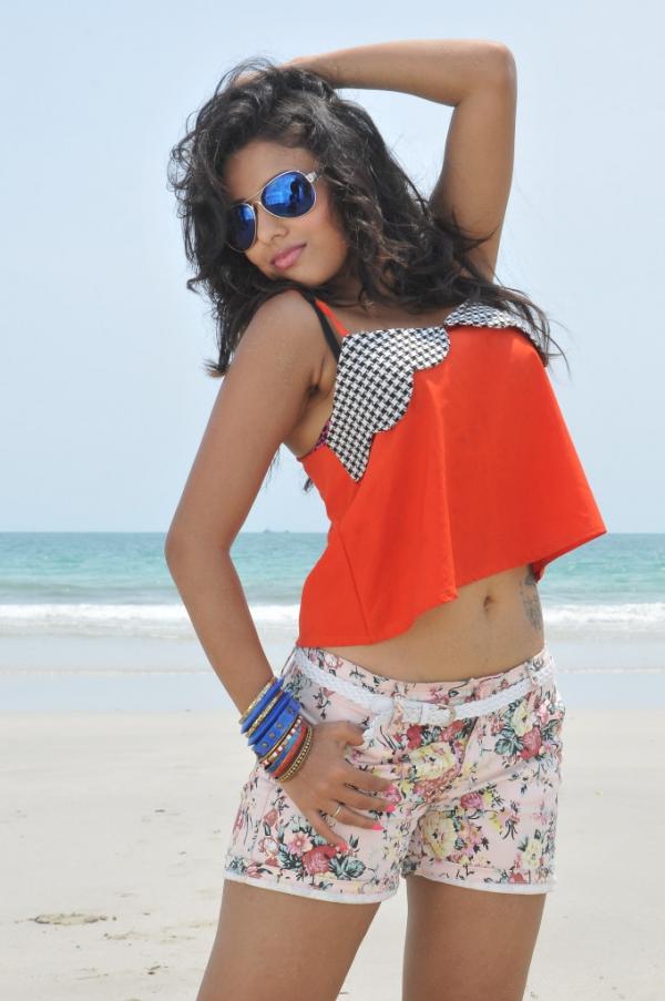 pramela-hot-beach-photos-4