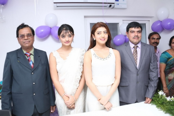 pranitha-and-nikitha-launch-homeo-trends-super-speciality-hospital-16