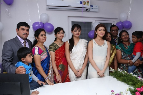 pranitha-and-nikitha-launch-homeo-trends-super-speciality-hospital-17